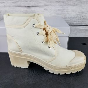 NEW CL Canvas Lace up Heeled Ankle Boots Size 8.5M